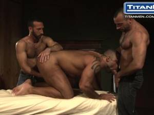 Muscular Bear - Hairy Muscle Bear Threesome