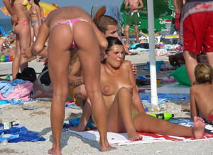 amateur beach girls - ... amateur-beach-romanian-bikini-topless-tits-boobs-babes-