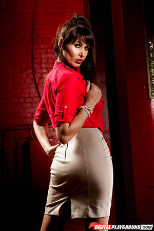 babe eva karera - ... Big tits milf babe Eva Karera shows off her ass in high heels ...