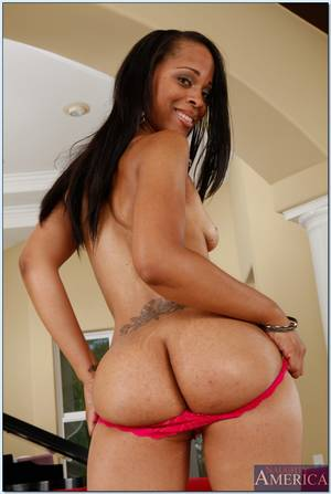 Ebony Ass Pussy - ... Sexy ebony wife Neveah Keyz showing off black ass and pink pussy ...