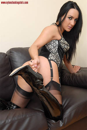 mature leather anal - Stunning dark haired milf in sexy stay ups and leather boots toying her  itching pussy.