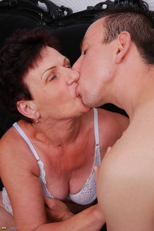 Kissing Mature Porn - Creampie at fake porn cast call