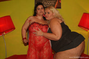 hot horny milf lesbians - horny fat milf and huge blond girl