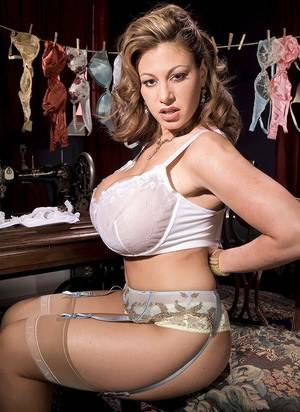 Huge Tits Busty Lingerie - Busty Lingerie MILF Porn Pics