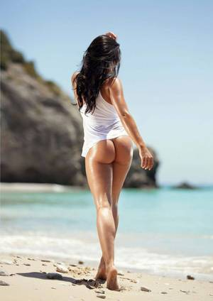 bare ass beach thong - The hottest free nude beach babe pictures!