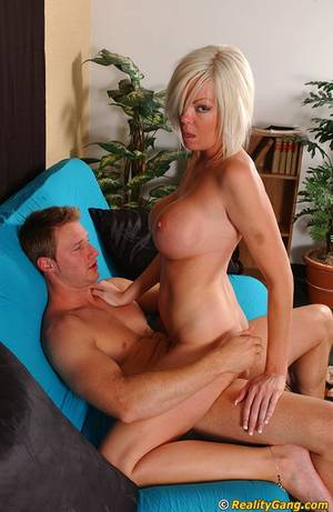 Milf Cruiser Porn Captions - Milf and young stud