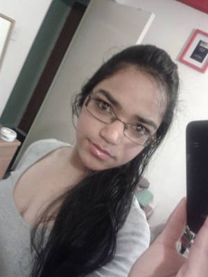 hot indian pussy with glasses - Cute young and nerdy indian ex girlfriend self nude pics