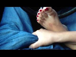 asian cum toes - Gorgeous Asian playing with my cock. Beautiful feet and toes! - XNXX.COM