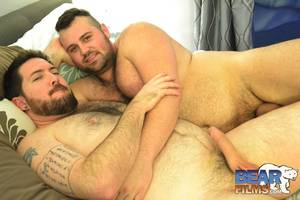 Belly Hair Gay Porn - Sexy cub Rex Blue bottoms for Ben Chatham on gay porn site Bear Films.