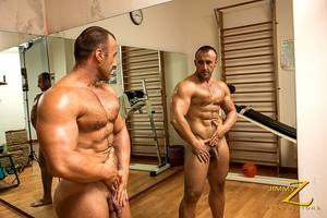guys in gym - Nude muscle man pics jpg 800x534