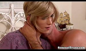 kiss a tranny - Classy tranny kissing and getting hard