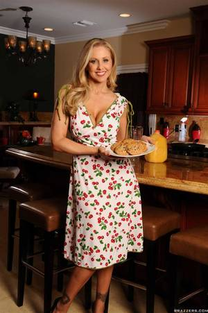 housewife kitchen - Julia Ann hot housewife fucks in the kitchen Main Image