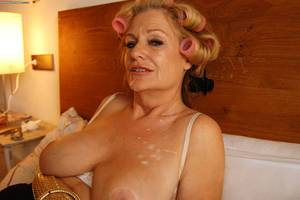 mature woman with - Older Women Porn Photos 66