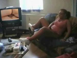 Amateur Caught Watching Porn - Cuckold caught watching porn - Masturbating while watching porn sharingher  cuckold hotwife jpg 320x240