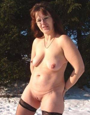 Amateur Wife Outdoor - Amateur Nude Wives Outdoors