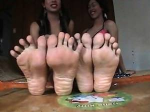 asian cum toes - 2 Asian Shemales Soles