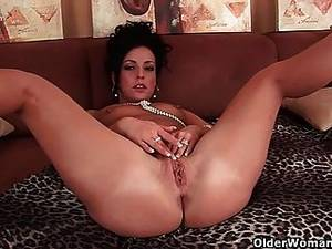 moms getting anal - Hard Nippled Soccer Mom Loves Anal Play