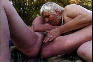 black granny ejaculation - Granny Pussy Masturbation Day Trip Into The Green
