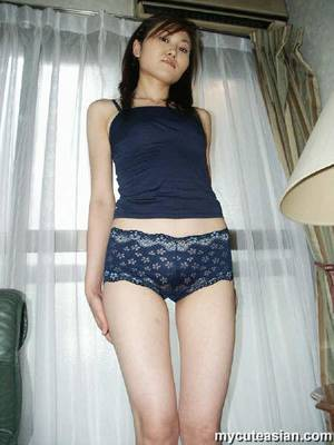 amateur asian nudist - Thin asian amateur teen posing nude at home