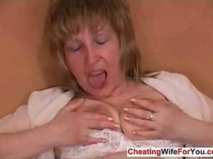 Hairy Russian Porn - Hairy Russian mom loves anal