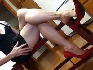 asian dangling - Mature Feet And Red Heels Dangle