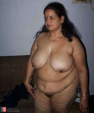 free plumper interracial - Indian plumper aunty with giant titties