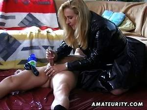 homemade cumshot handjob - Amateur Housewife Homemade Blowjob And Handjob