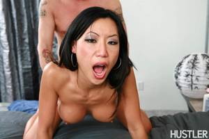 asian porn star tia ling - Tia Ling flexible Asian gets fucked hard in bed Picture 14