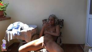 Mature Masturbate Outdoor - Gorgeous mature masturbating outdoor
