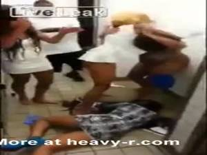 heavy r hardcore black girl - Black Women Fighting At A Fastfood Restaurant