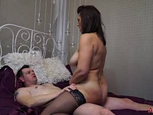 80 Year Old Milf Porn - Get to Know a Thick 47 Year Old MILF Raven Before She Gets Fucked