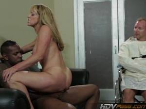 Blonde Milf Bbc Porn - Sexy Blonde Milf Shayla Laveaux Gets Fucked By Huge Black Cock