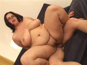 amateur bbw porn animated - Amateur-BBW with Glasses and Huge-Boobs enjoys Fucking