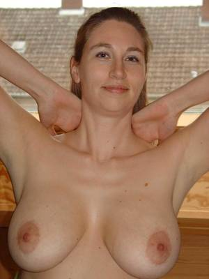 moms nice tits - Amateur Boobs