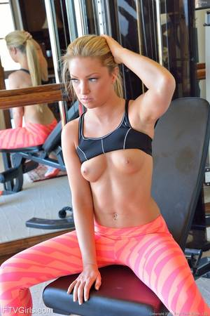 blonde workout - ... Fantastic blonde looker strips down and fingers her orgasmic pussy ...