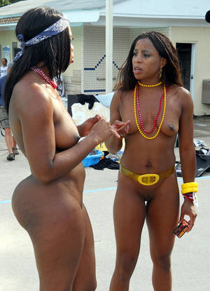 ebony babes nude group pics - Ex-friend, ex-girlfriend best voyeur and cameltoe | Picture #5