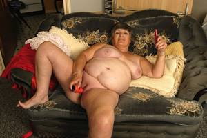 fat fuck hole - xpics.me - bbw porn Old fat granny masturbates her wrinkly aged holes with  sex toys
